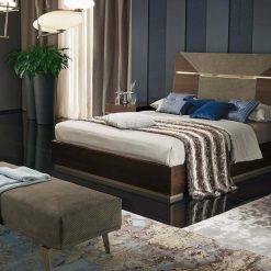 bedroom accademia bench liveshot 001