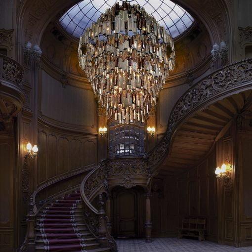 vienna chandelier liveshot 2