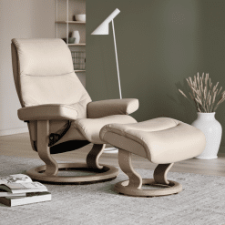 Stressless view lifestyle shot in fog